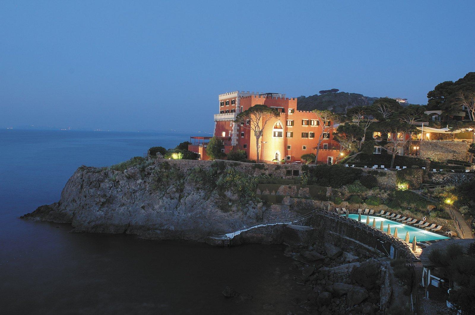 Hotel Mezzatorre Resort-Spa, hotel de luxe Ischia italie (vue de nuit)