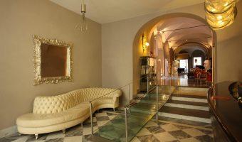 Entrée et réception du Borghese Palace Art Hotel (Florence, Italie)