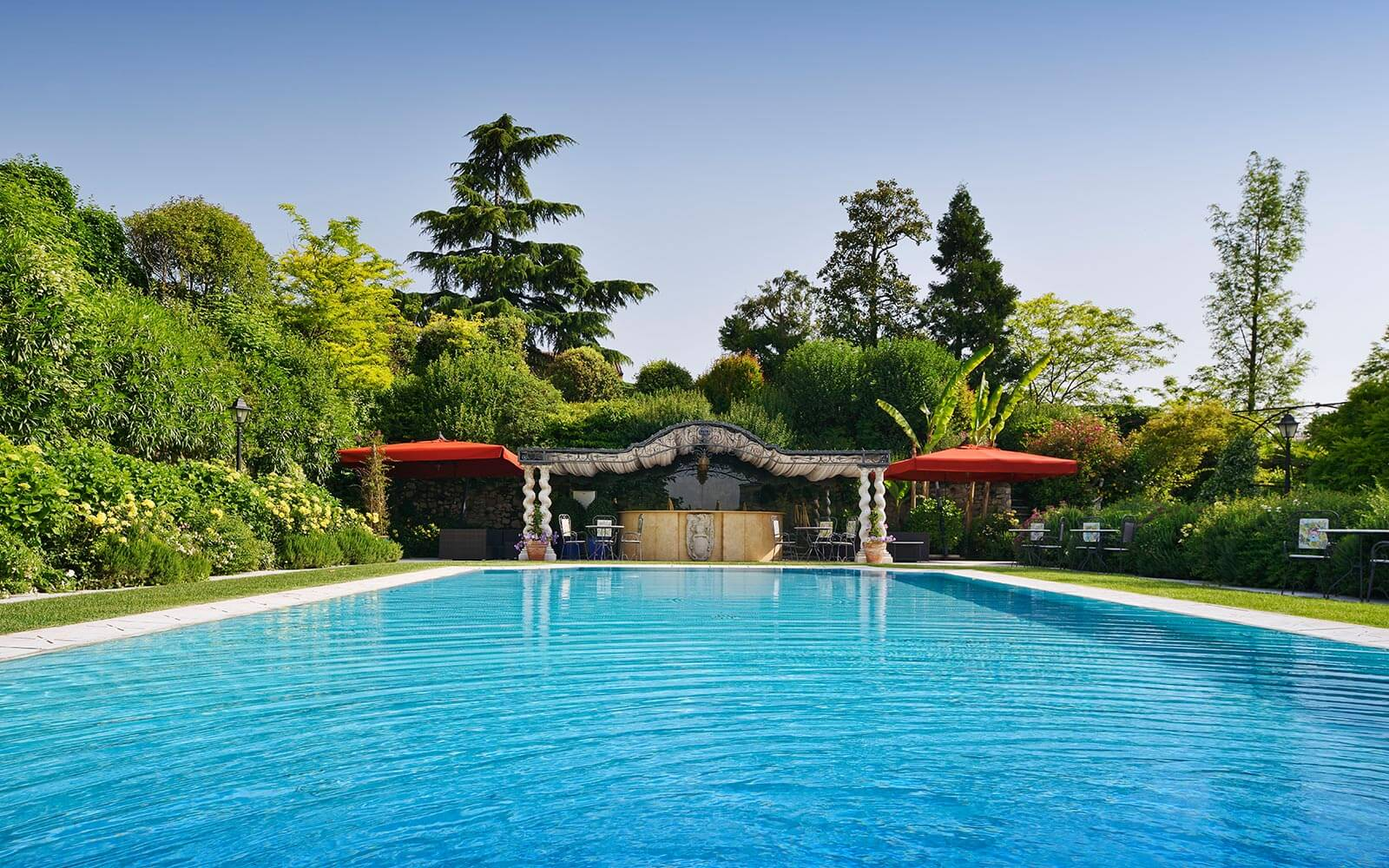 Piscine du Byblos Art Hotel - Villa Amistà, hotel de luxe Verone, Italie
