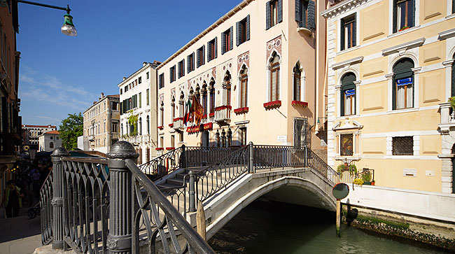 Hotel boutique venise italie liassidi palace hotel 4 for Boutique hotel venise