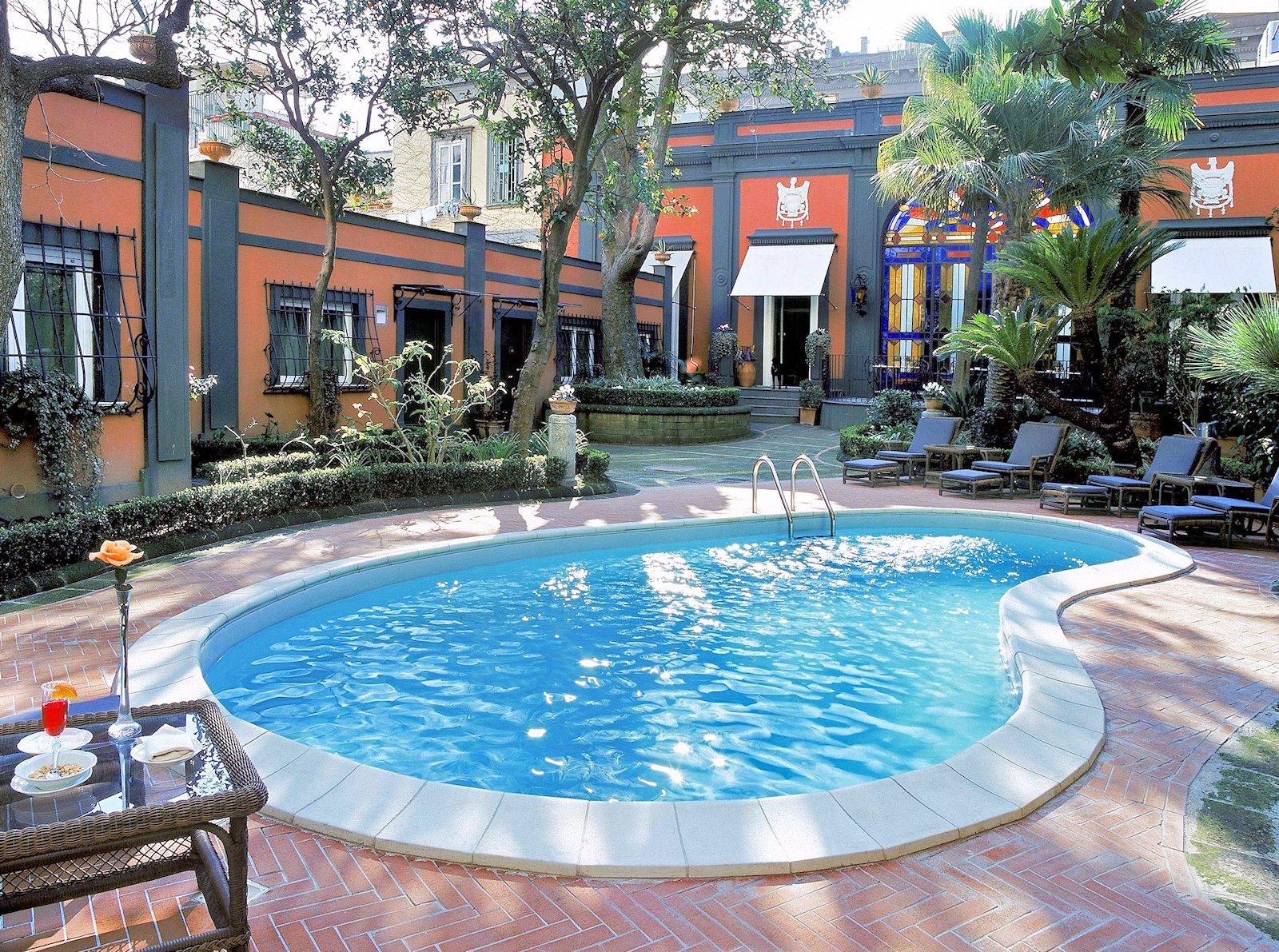 Hotel Costantinopoli 104, hotel de charme dans le centre historique de Naples Italie